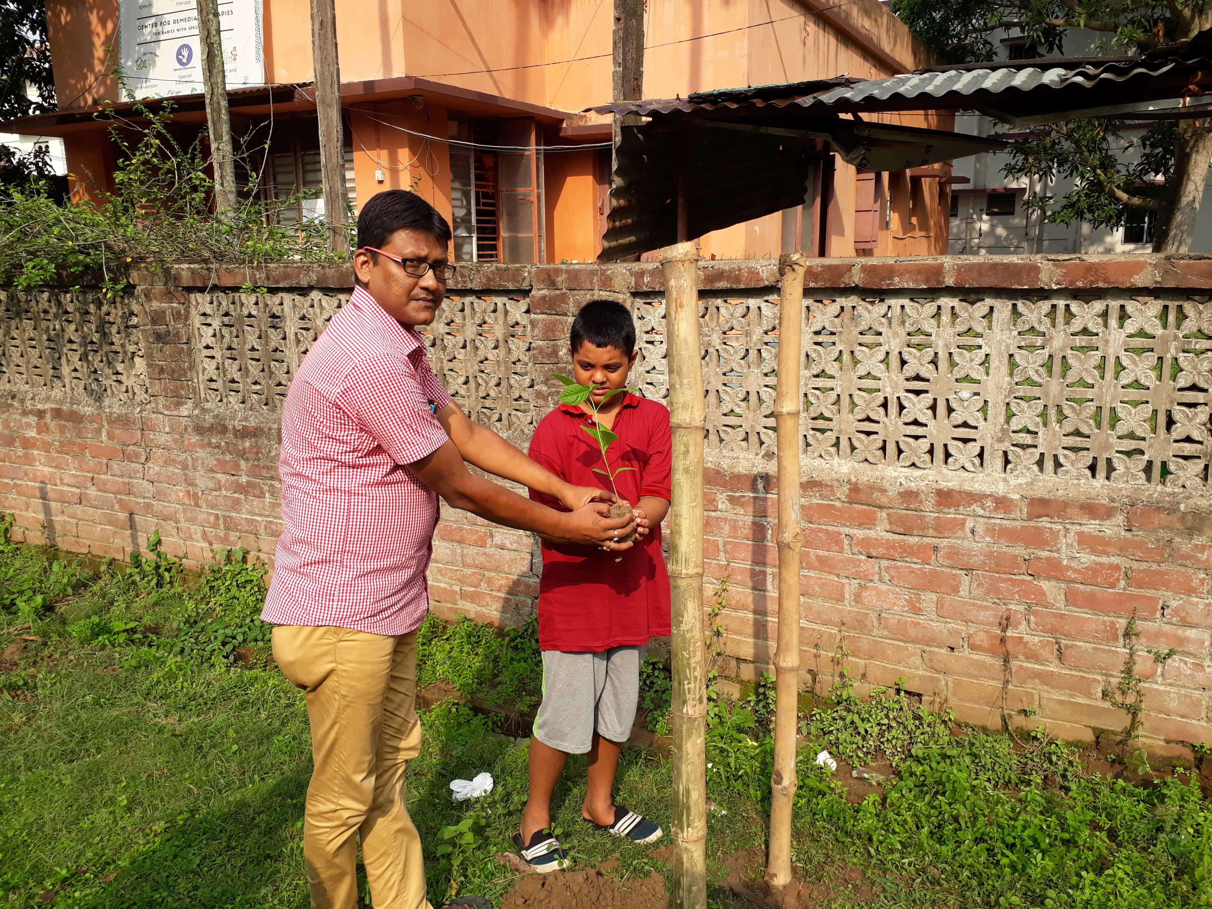 Plantation programme by the persons with Intellectual and developmental disabilities.