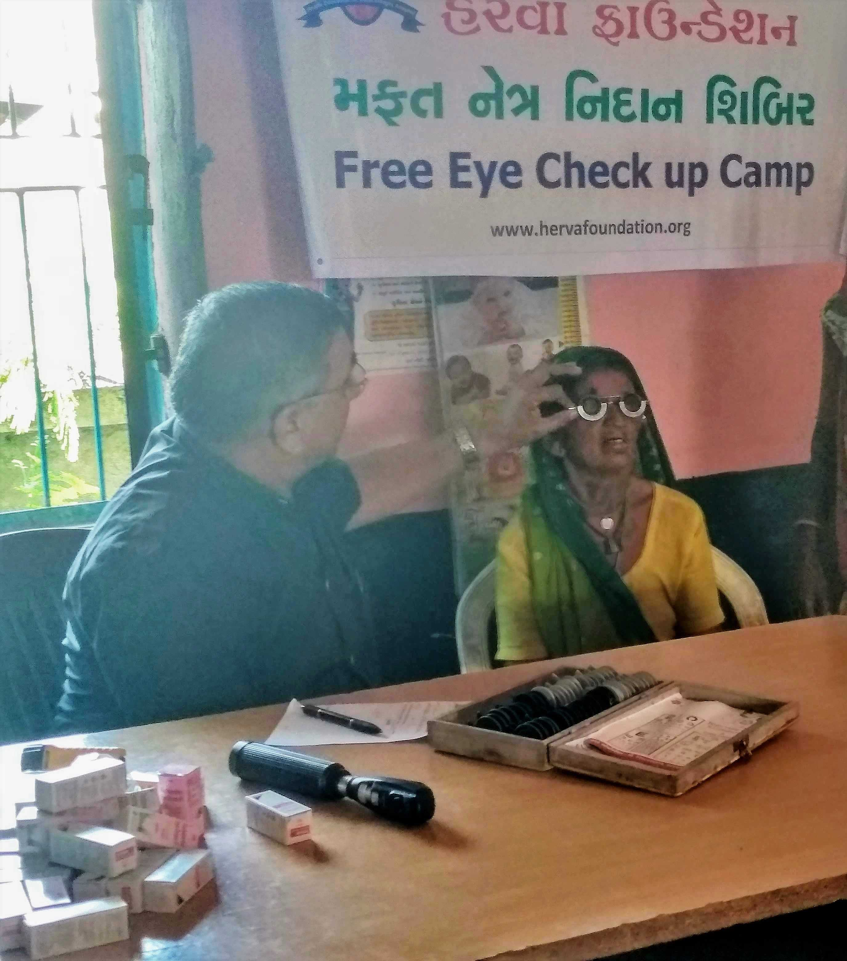 JALAMPUR VILLAGE - EYE CAMP 15-10-19 We had most successful free Eye check-up and spectacles distribution camp at village Jalampura dist. Viramgam, Gujarat. The Total population of village is 1600 out this 112 village people attended the eye check up camp of which male 45 and female 67 that includes 39 senior citizens (male 14. female 25) 6 of them has cataract so advice for surgery and will FACILITATE THEM FOR THE OPERATION AT Viramgum Lion club. The venue was the Anganwadi building since the exams were held in the school building .